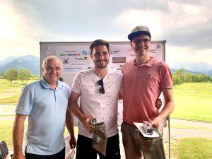 Siegerfoto: Manfred Ganahl mit den Turniersiegern Robin Forster und Raphael Ender